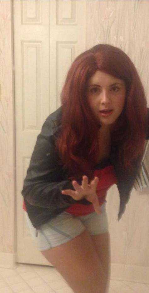 Cosplayer: Amy Pond lookalike, Bella Mc-Caty Cosplay. Character: Amy Pond