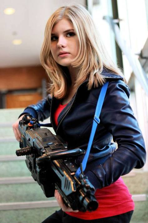 "Cosplayer: Catherine Ayotte Character: Rose Tyler Episode: Stolen Earth / Journeys End  ""Alright, now we're in trouble. It's only just beginning"""