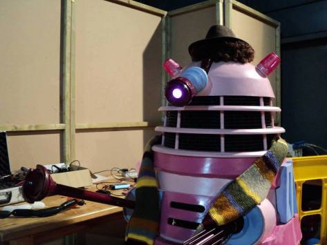 Cosplayer: Dalek Candi Character: 4th Doctor  Even the Daleks have started cosplaying now...