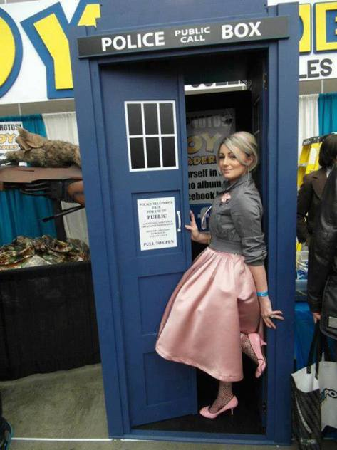 Cosplayer: Crystal Maxwell Character: Rose Tyler Episode: The Idiot's Lantern