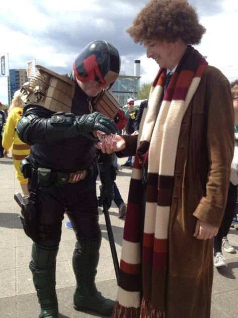 Cosplayer: Bungo Hoover Character: Fourth Doctor  Proof that even Mega City Judges like jelly babies...