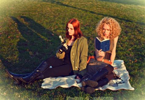 Cosplayers: Loki Cosplay Mon-Kishu and Aerith Mon-Kishu Characters: Amy Pond and River Song Deviantart Art: http://mon-kishu.deviantart.com/art/Amy-Pond-and-River-Song-Cosplay-Doctor-Who-439044533