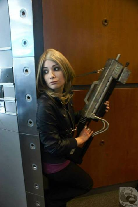 Cosplayer: Lauréa Giragira Cosplay Character: Rose Tyler