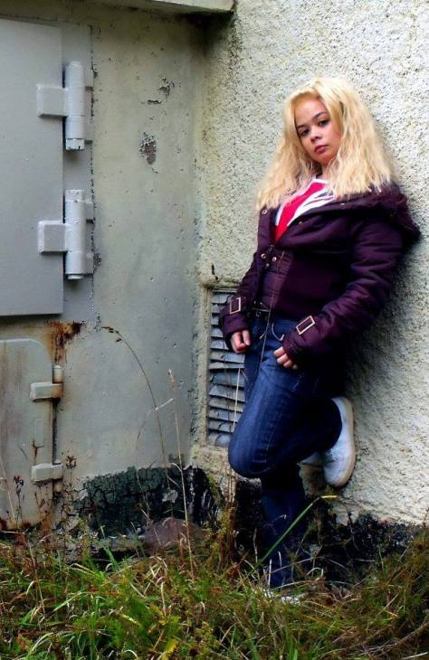 Cosplayer: Cherazor's Closet Character: Rose Tyler Episode: The Empty Child / The Doctor Dances