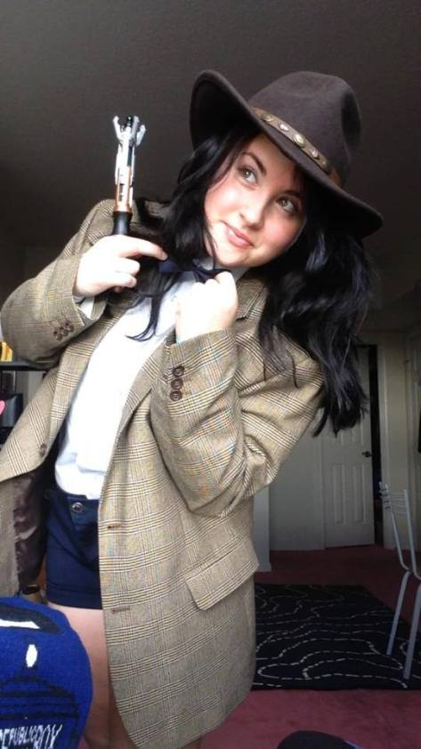 Cosplayer: Amy Pond lookalike, Bella Mc-Caty Cosplay. Character: Eleventh Doctor