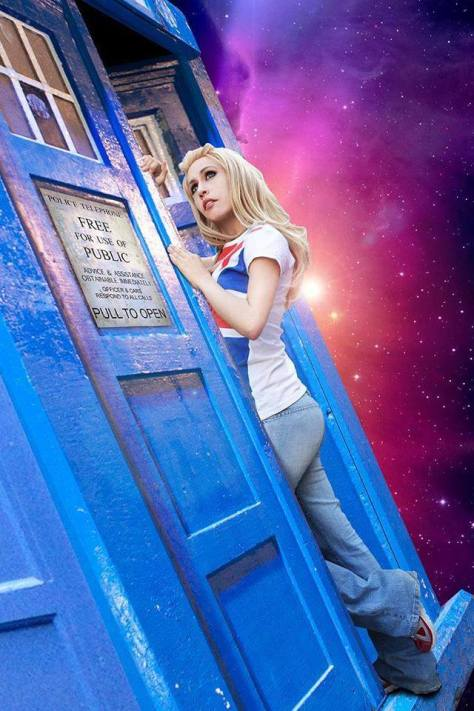 Cosplayer: Cherry Steam Character: Rose Tyler Location: Mexico